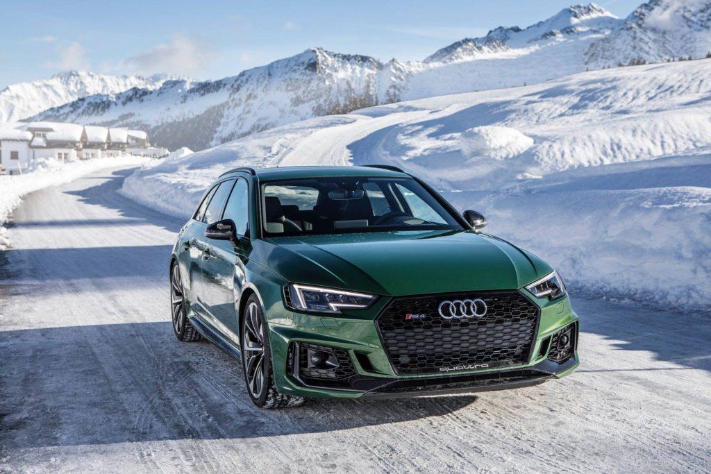 Audi RS4 Avant Фото