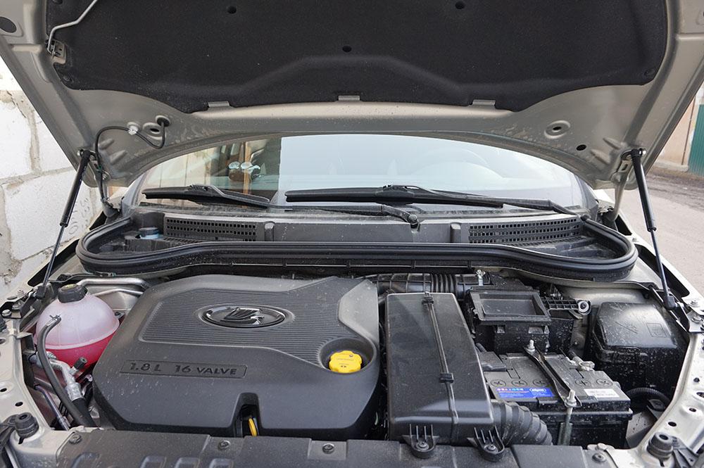Амортизатор (упор) капота на Lada Vesta