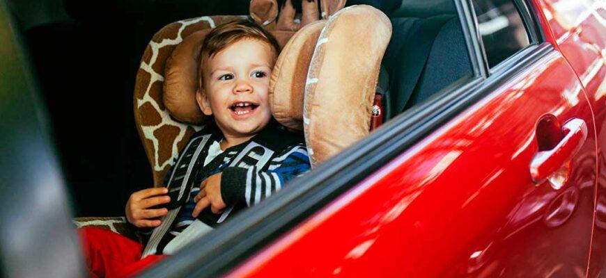 Ребенок в автомобиле. Со сколько лет можно ездить на переднем сиденье?