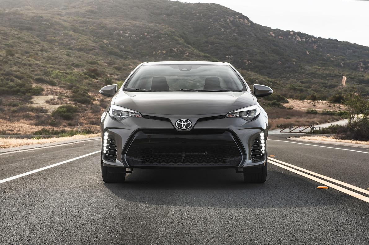 седан Toyota Corolla 2020