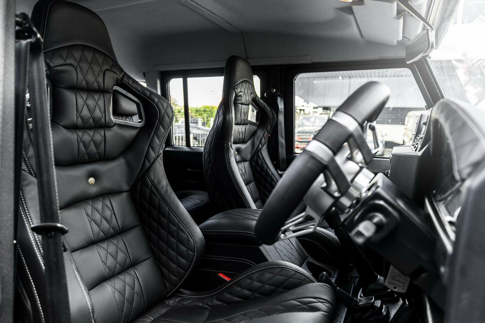 Пикап Land Rover Defender