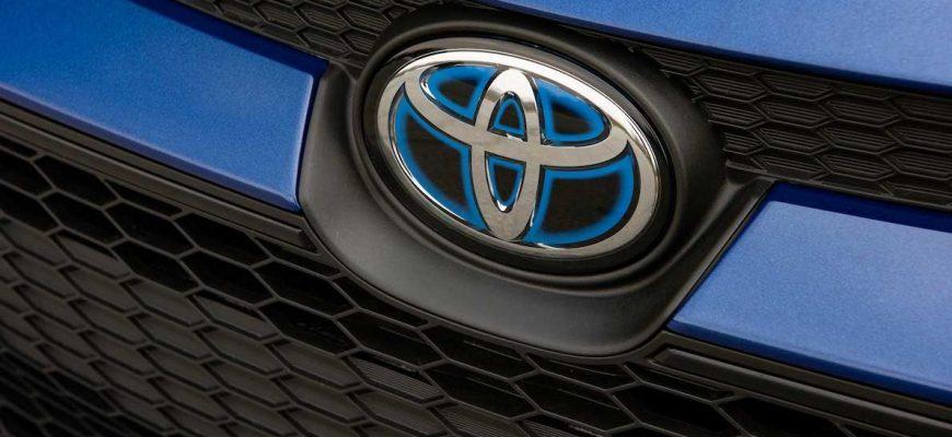 внедорожники Toyota