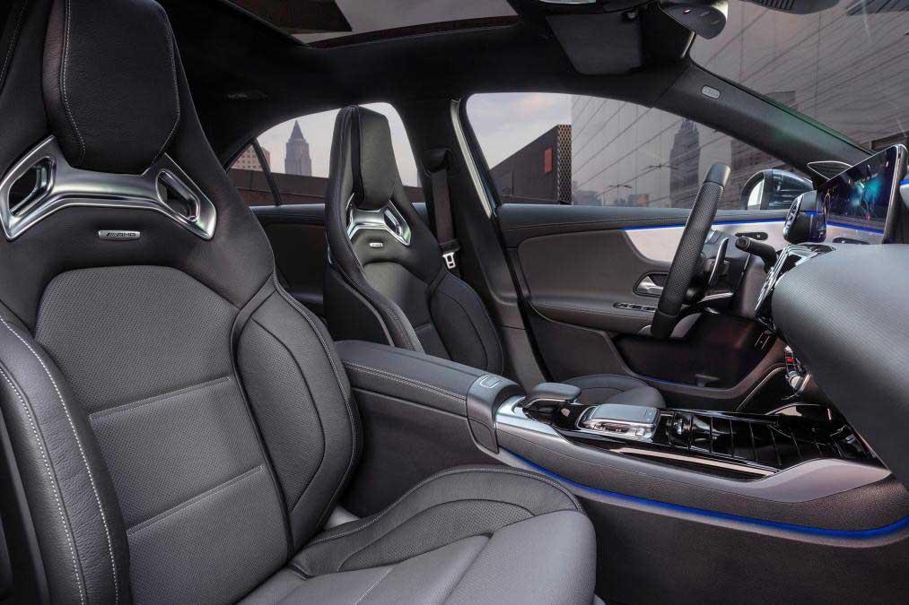 Mercedes-AMG A35 4Matic седан