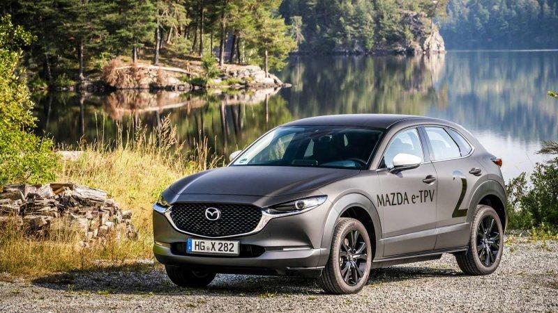 электромобиль Mazda