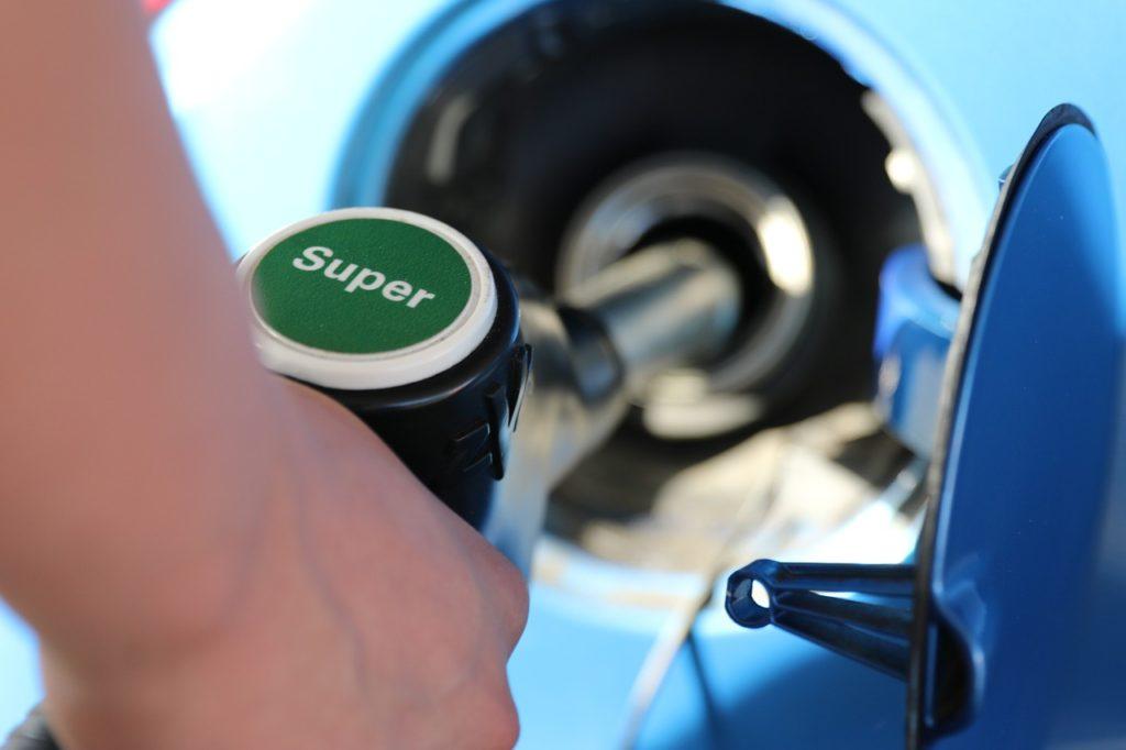 Продажа бензина в рассрочку и в кредит