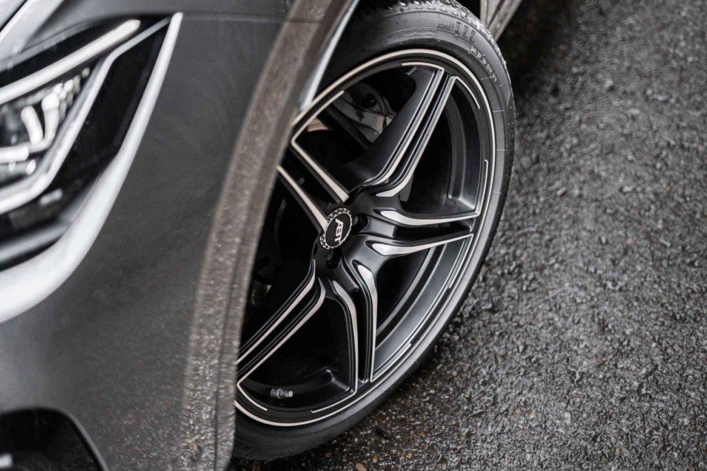 Volkswagen Touareg доработали в ABT, добавив мощности и стиля