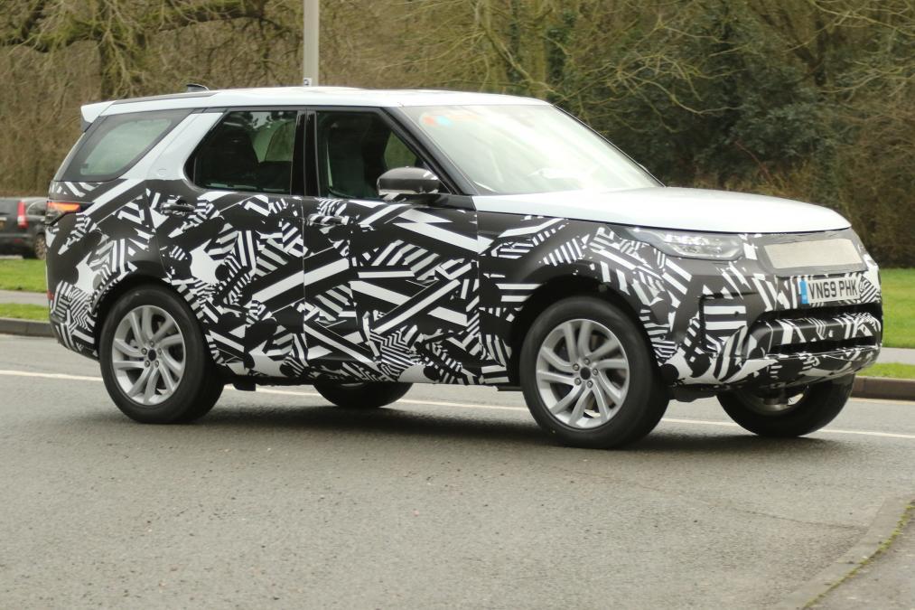 Land Rover Discovery 2020 получит гибридную версию