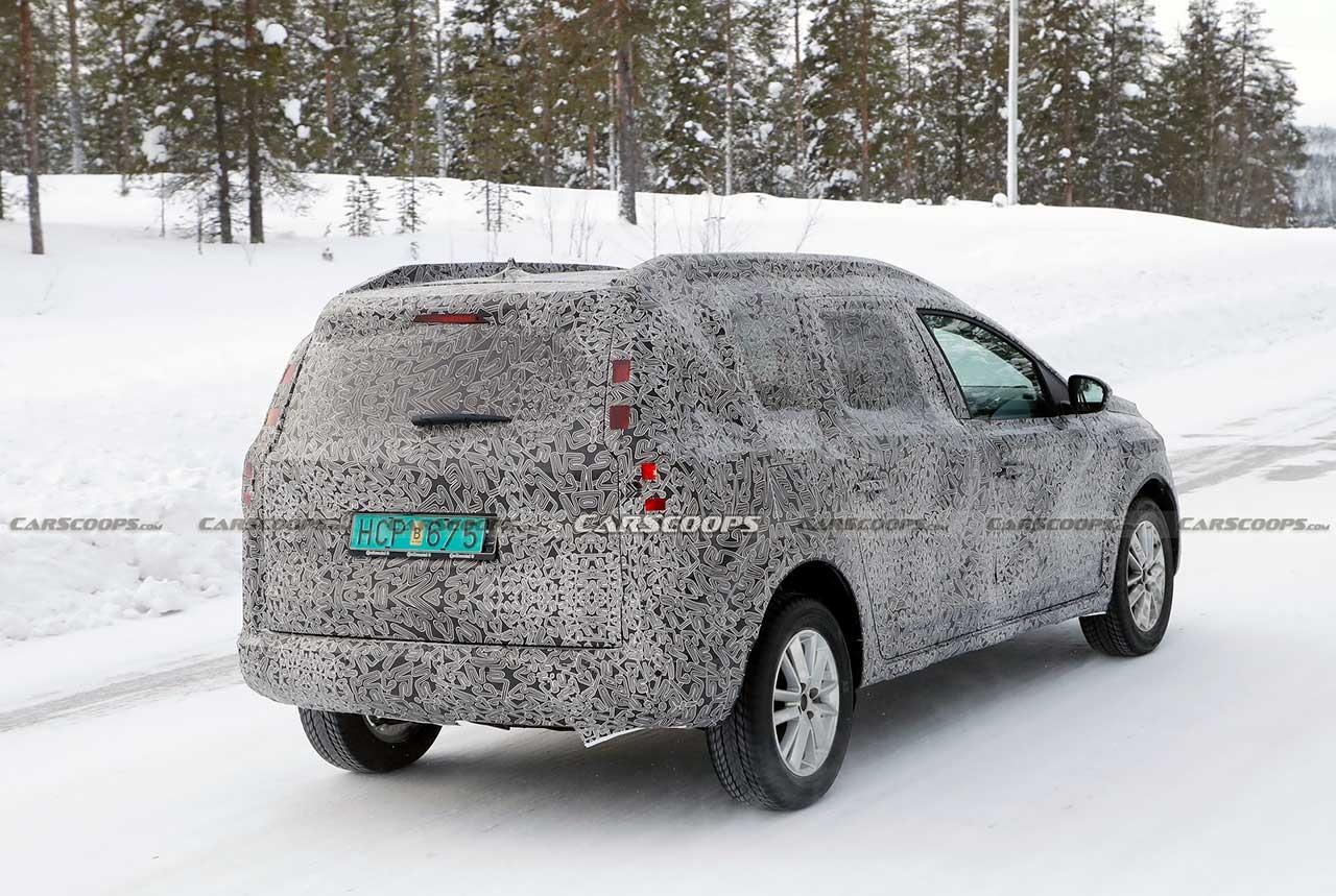 Dacia Logan MCV 2022 вид сзади
