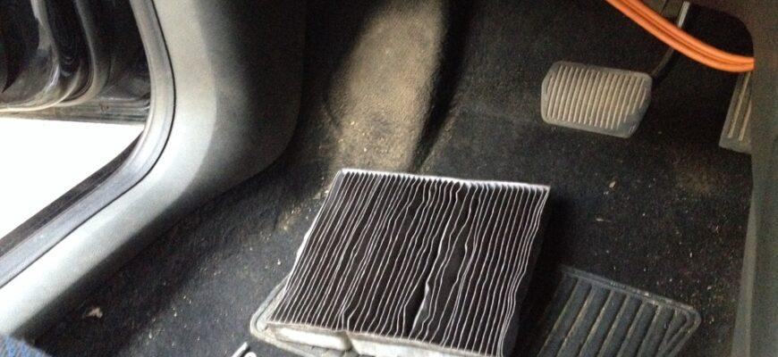 Замена салонного фильтра на автомобиле Форд Фокус