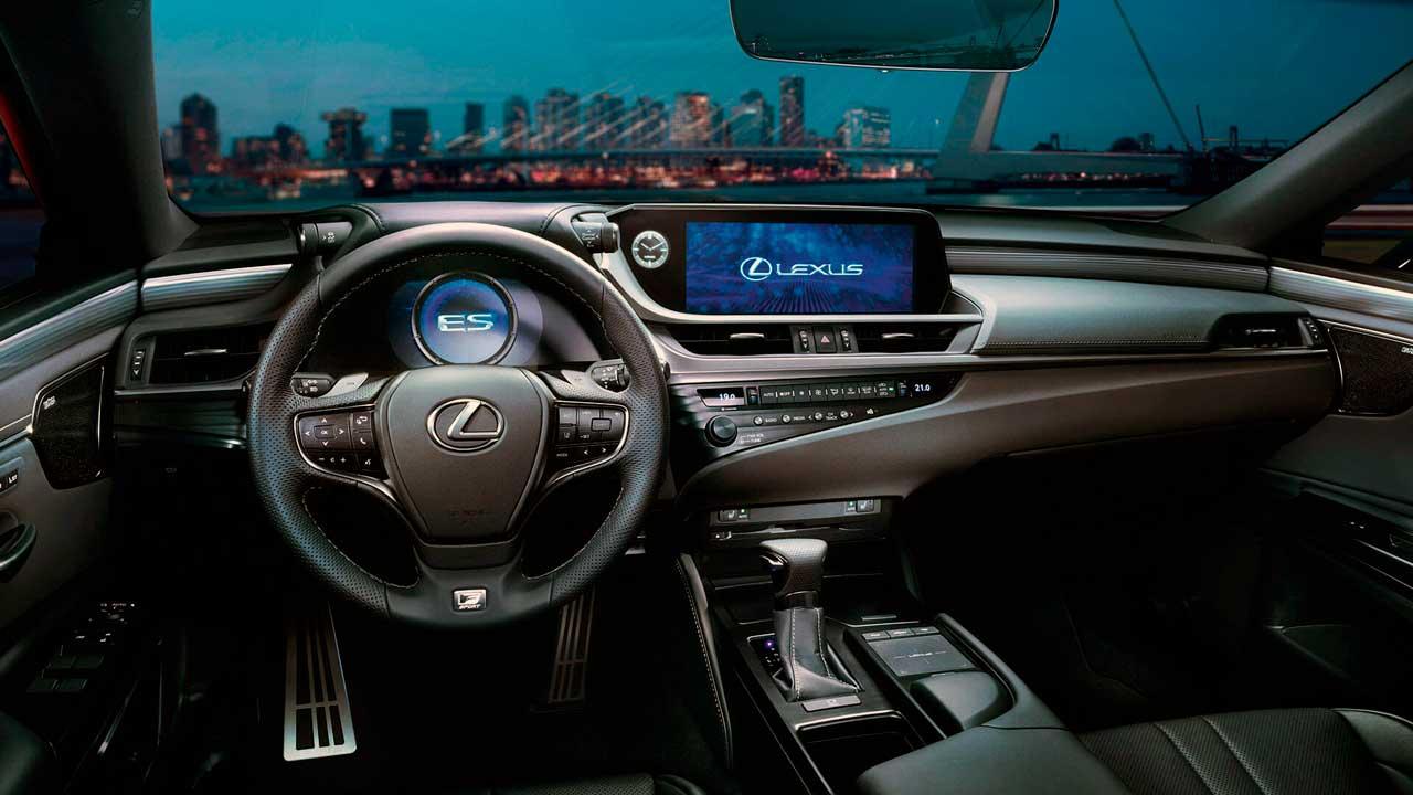 Lexus ES интерьер