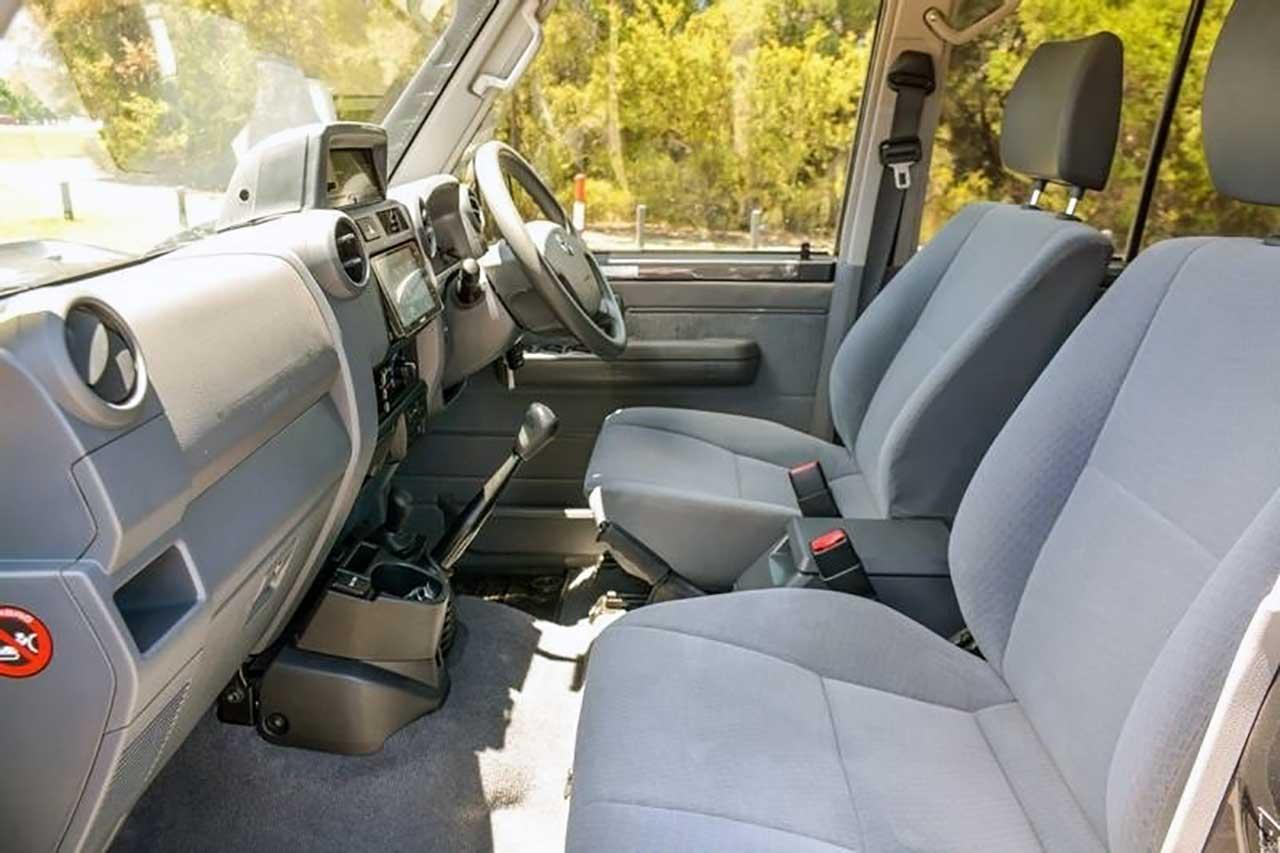 Toyota Land Cruiser 6x6