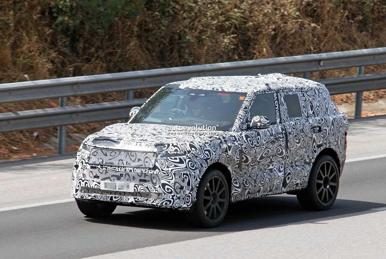 Прототип Range Rover Sport SVR 2023