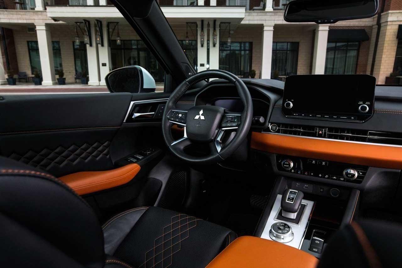 Mitsubishi Outlander PHEV 2022 салон