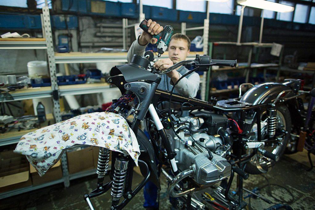 "Мотоцикл ""Урал"". Производство."