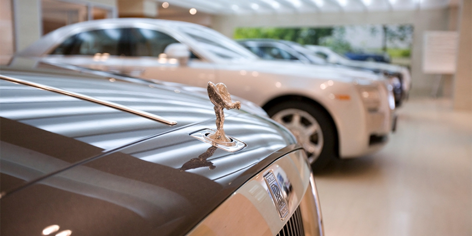 """Минпромторг пересмотрел список автомобилей подпадающих под """"Налог на роскошь""""."""