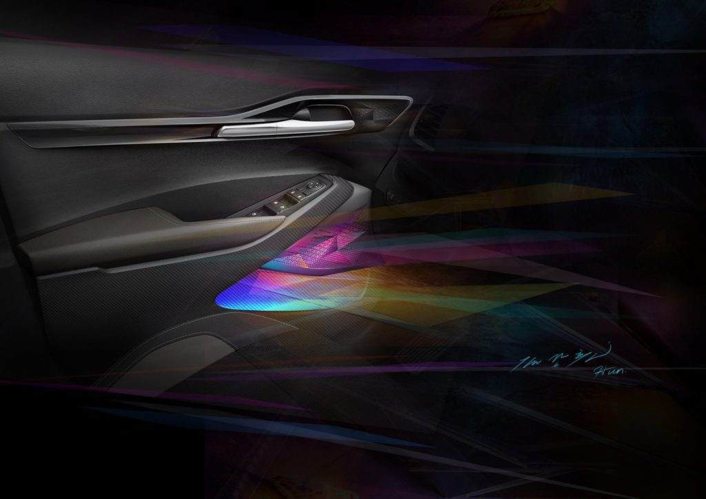 KIA показала интерьер нового компактного кроссовера