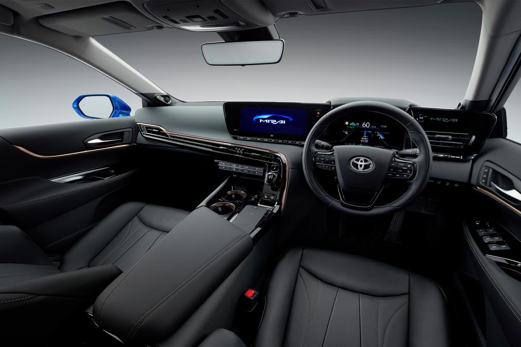 Салон новой Toyota Mirai